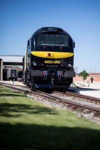 comboio medway preto e amarelo